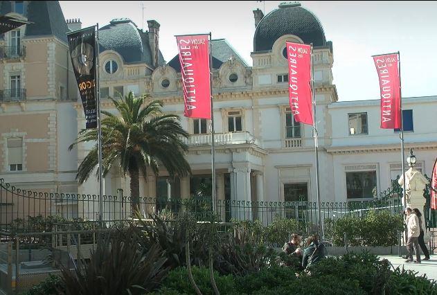Ce week-end, le Salon des Antiquaires au Bellevue, une institution à Biarritz !