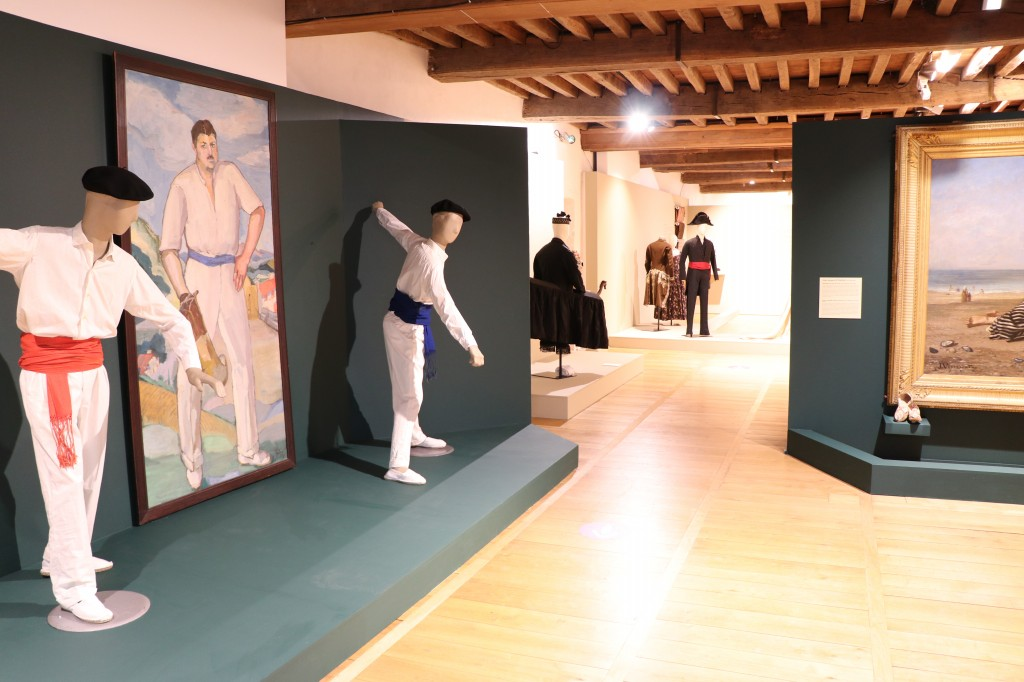 expo textiles.jpg