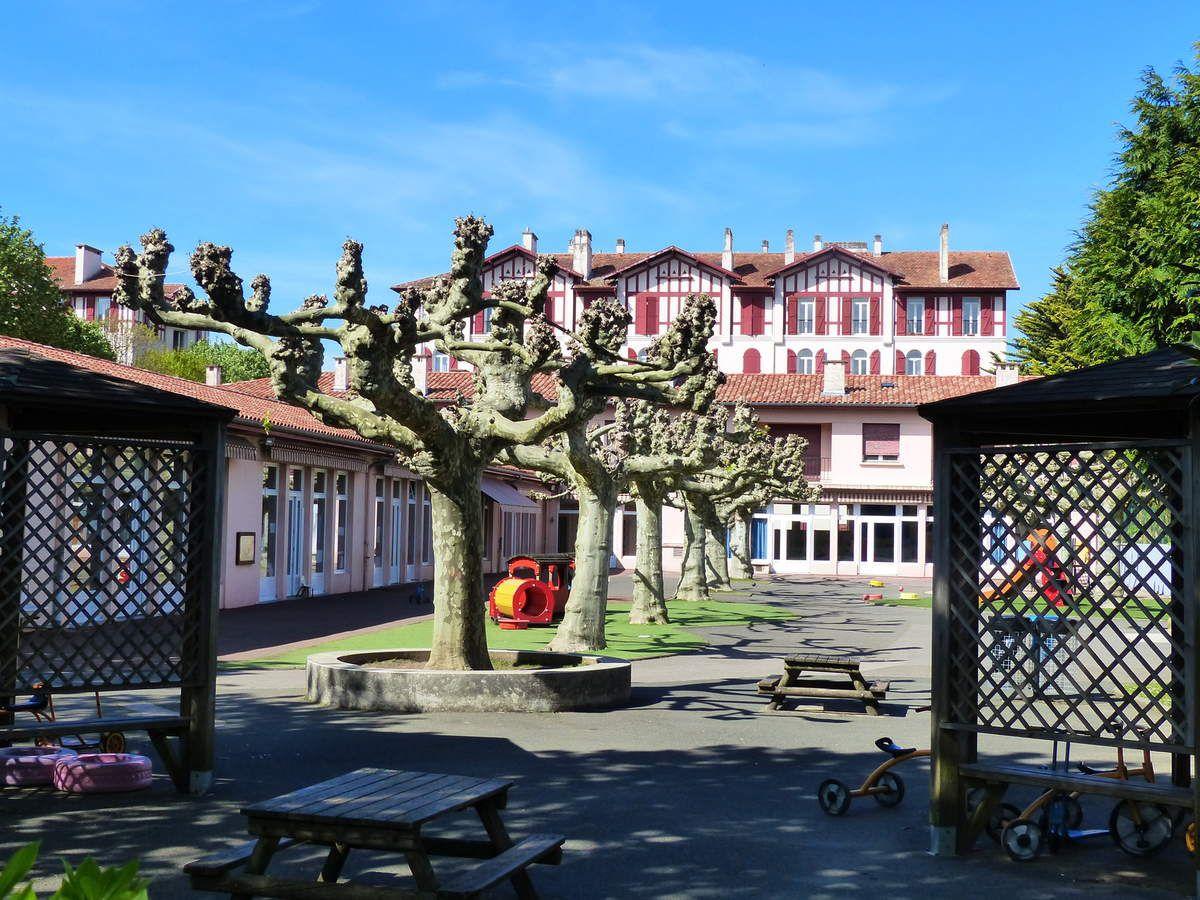 zHistoire2 quartier Marracq de Bayonne, l'école maternelle Lahubiague.jpg