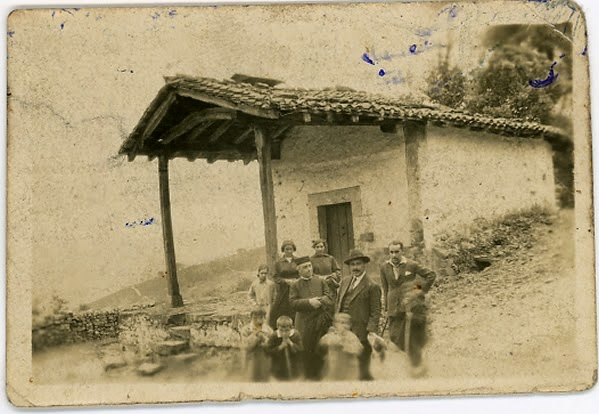 zHistoire1 hermanos Garro Basterretxea Jesús médico de Amurrio 1924.jpg