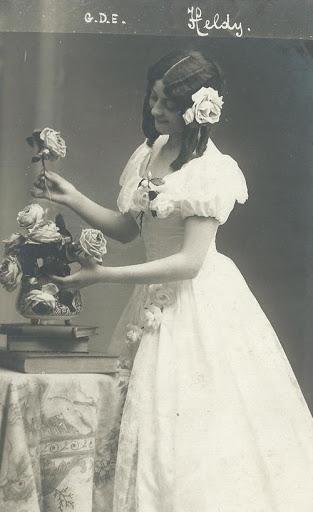 Fanny Heldy Violetta.jpg