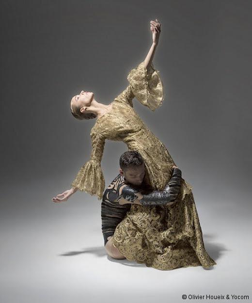 La Belle et la Bête, à l'encre de la lumière des danseurs