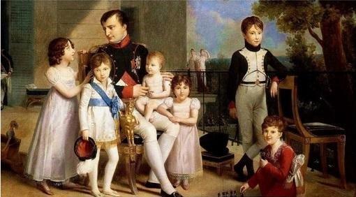 zHistoire2 Napoléon en famille.jpg