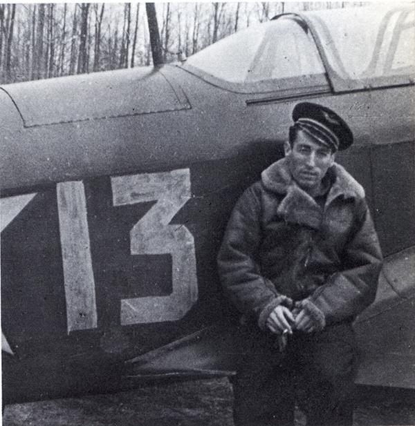 L'aviateur basque Robert Iribarne, champion de pelote et héros de Normandie-Niémen