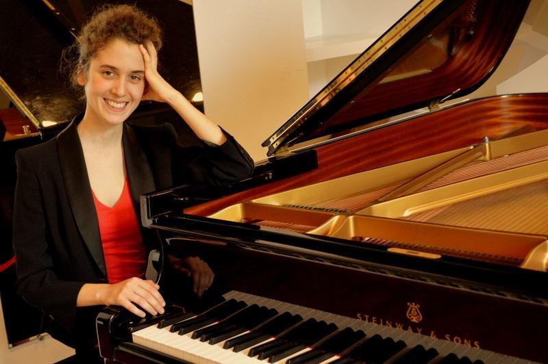 Une jeune et prometteuse pianiste au Palais