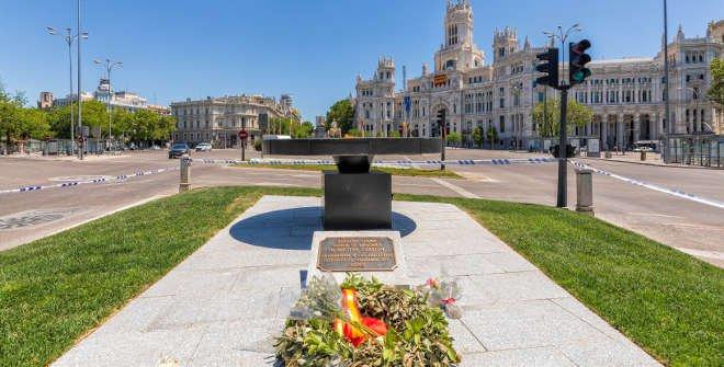 zTradition2 Monument aux victimes du covid à Madrid.jpg