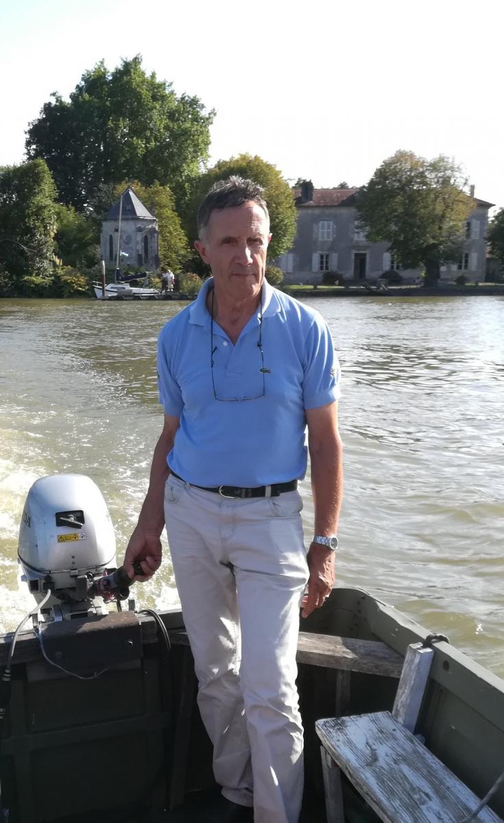 zPierre-Yves de Marignan fait traverser l'Adour à ses invités.jpg