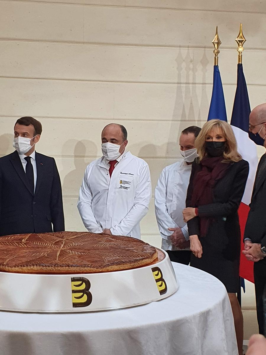 La galette des Rois élyséenne.jpg