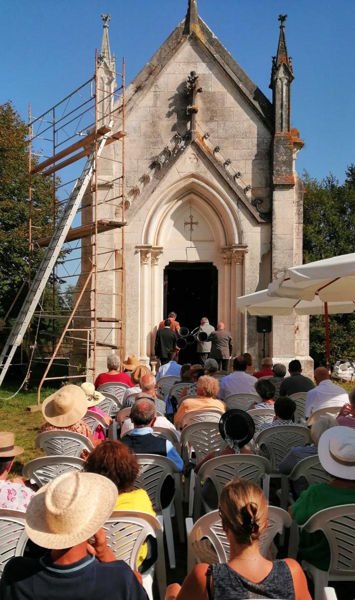 Messe à la chapelle.jpg