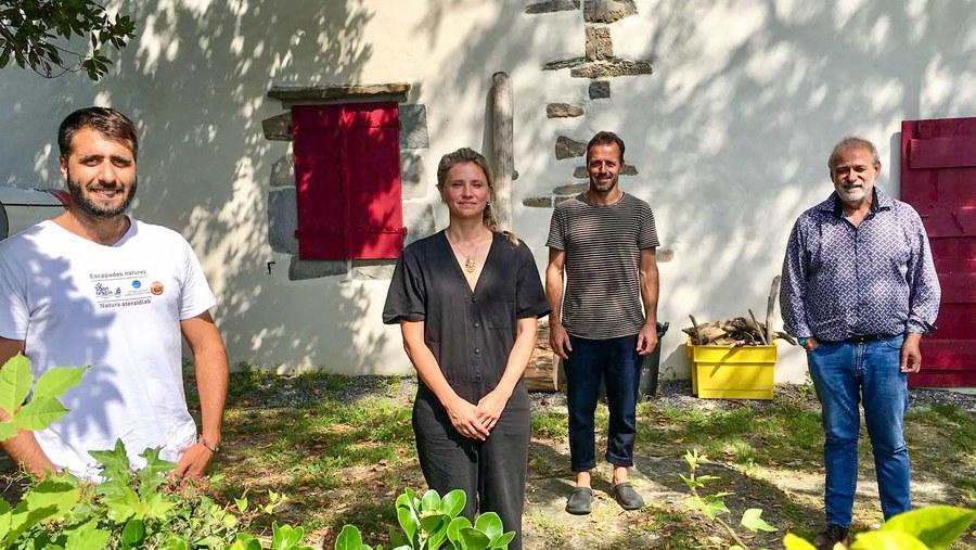 Littérature en mouvement : résidence d'écriture à Nekatoenea... et camion qui livre