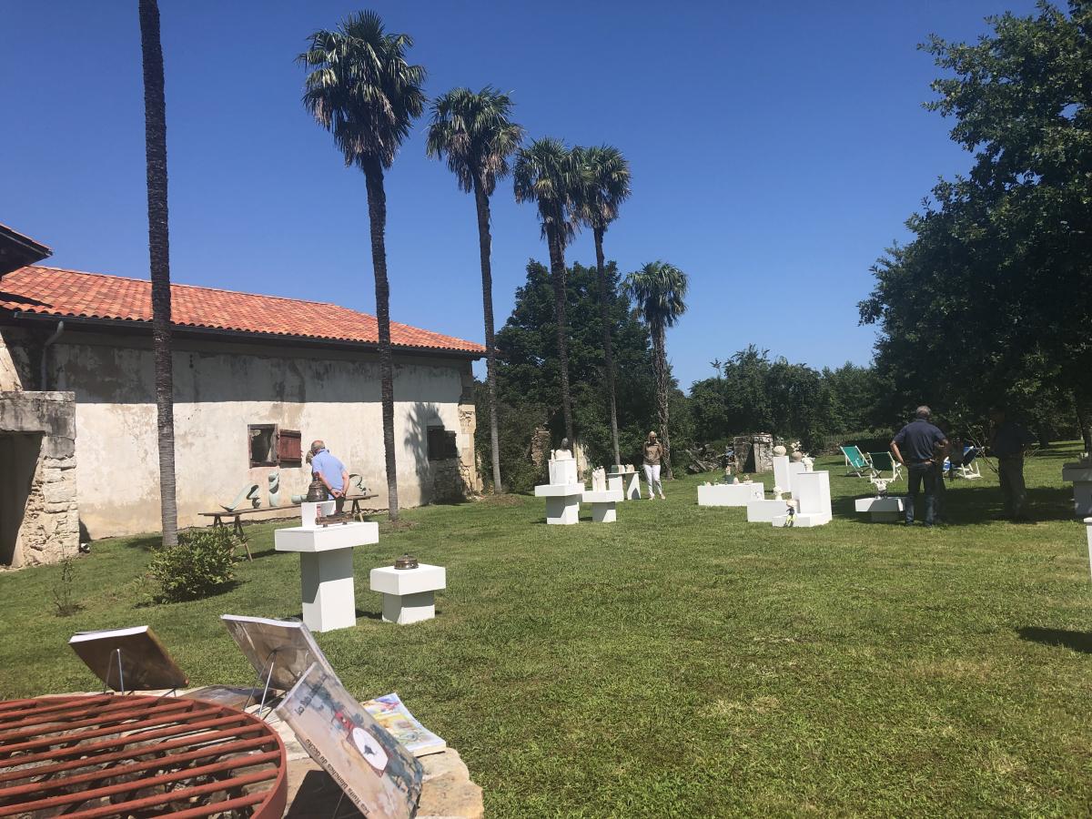 Objets décoratifs et sculptures ce week-end à Sare