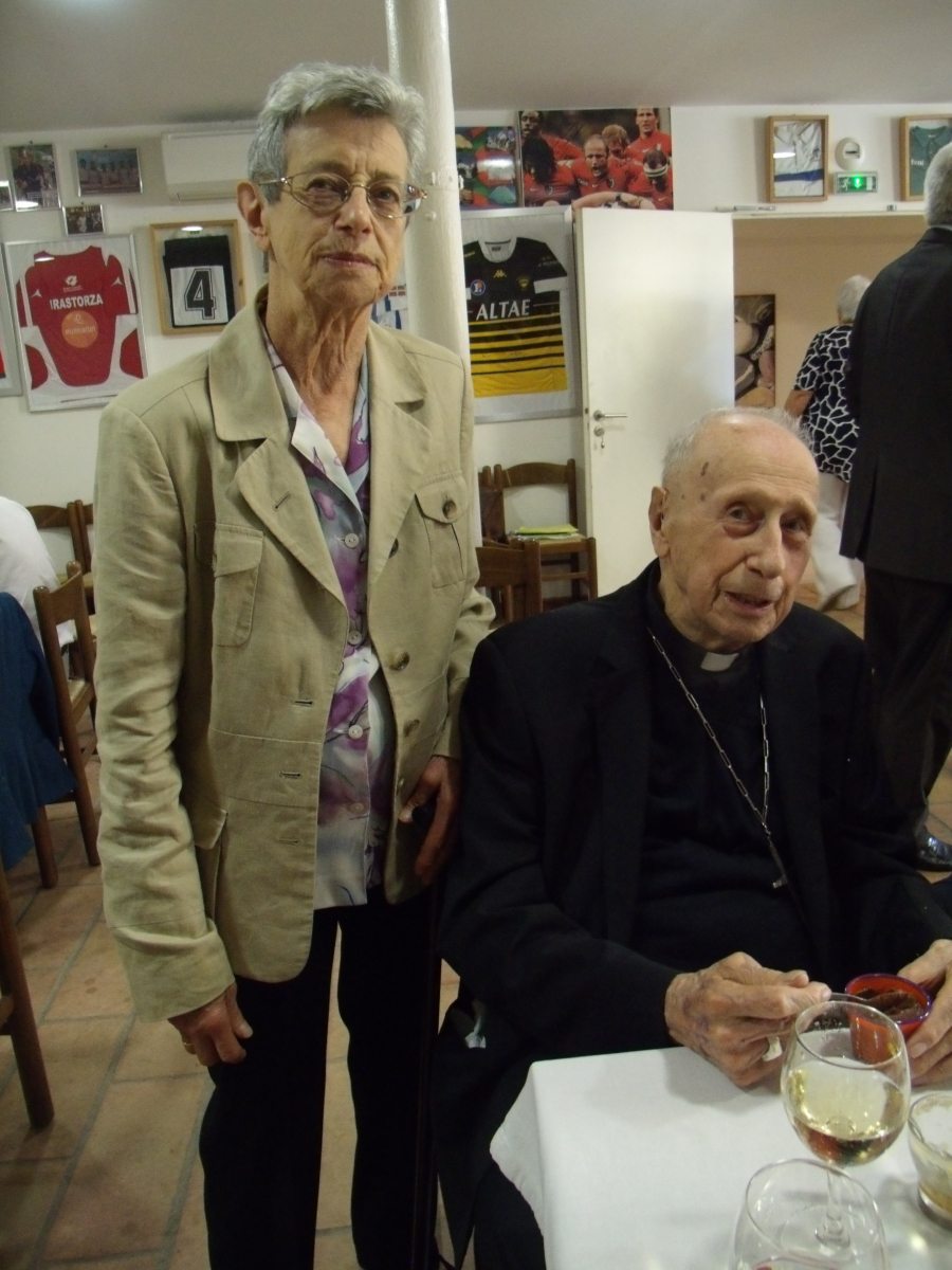 Le cardinal Roger Etchegaray dans son milieu familial