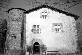 zPortrait2 Maison-forte Larrea Ispoure.jpeg