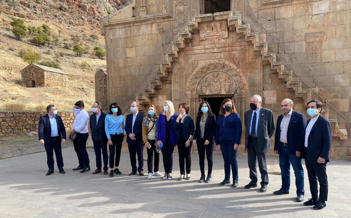 Vincent Bru avec une délégation de l'Assemblée Nationale en Arménie