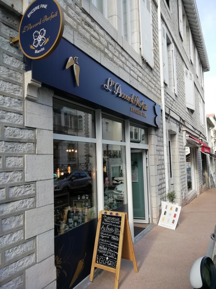 """Biarritz : fraîcheur, qualité et convivialité à la nouvelle épicerie fine """"L'Accord Parfait"""""""