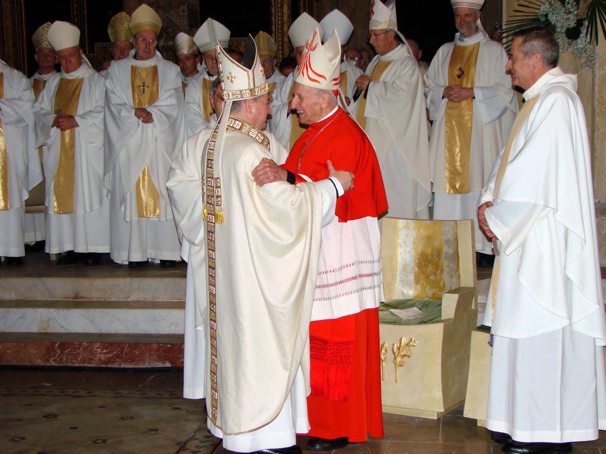 zzzTradition1 Ordination Aillet+Etchegaray.JPG