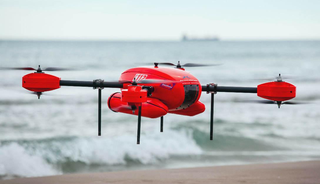 Espagne : un drone porte assistance à des nageurs