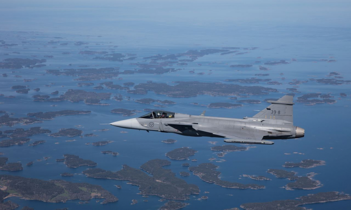 Saab tests a jammer on a Gripen