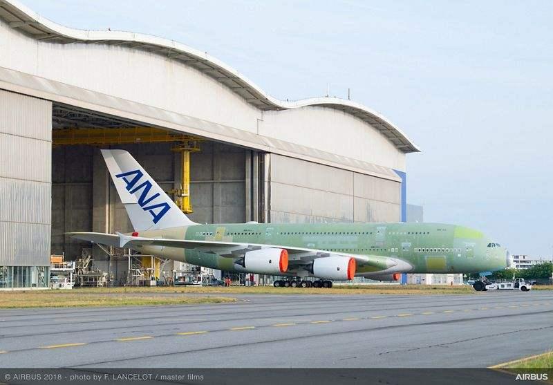 Airbus reports record profits, shuts down A380