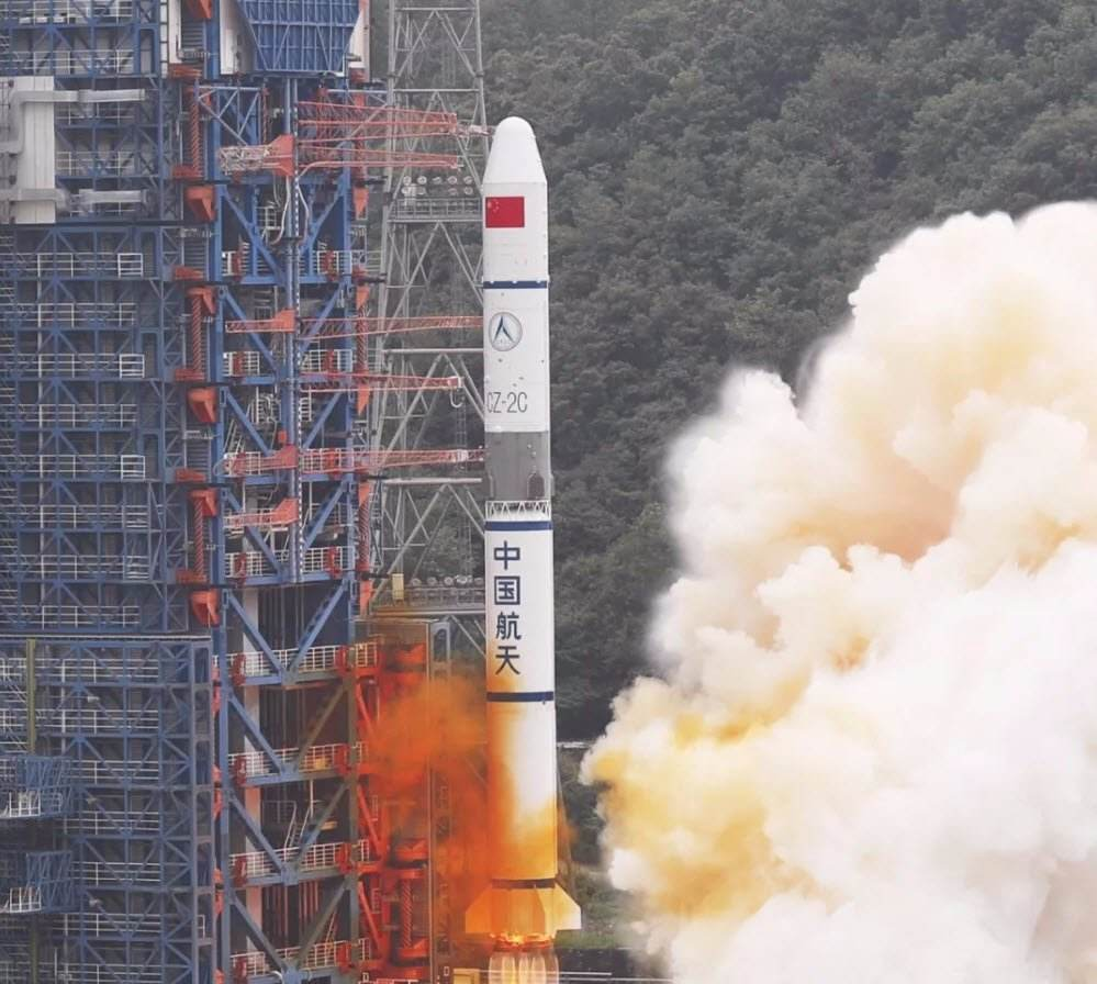 Grid fins on the Chinese rocket Long March 2C