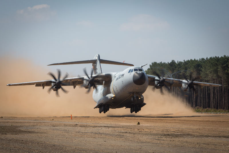 A400M casts shadow on Airbus results
