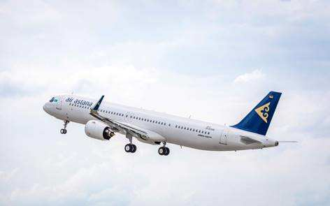 An Airbus A321LR for Air Astana