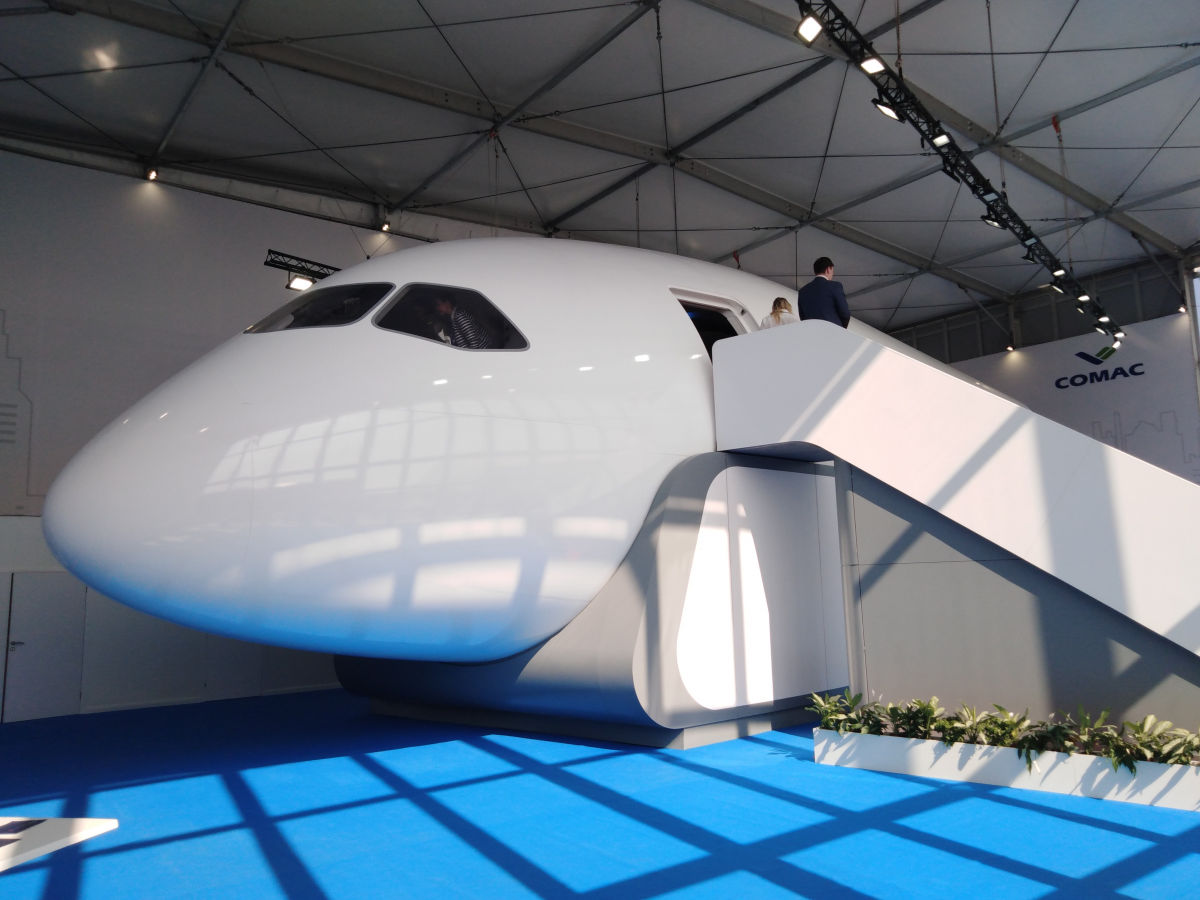 MAKS 2019: Sukhoi and Comac introduce a nose mockup of the CR929