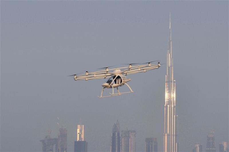 Dubai pursuing air taxi drone plans