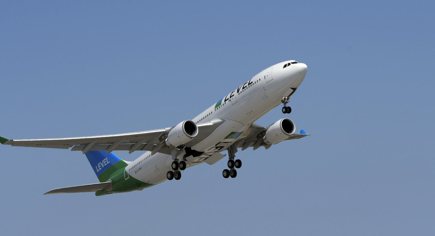 Level launches flights from Paris