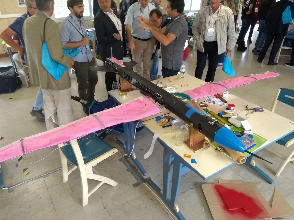 Aerospace projects by young people in the Pyrenees' sky