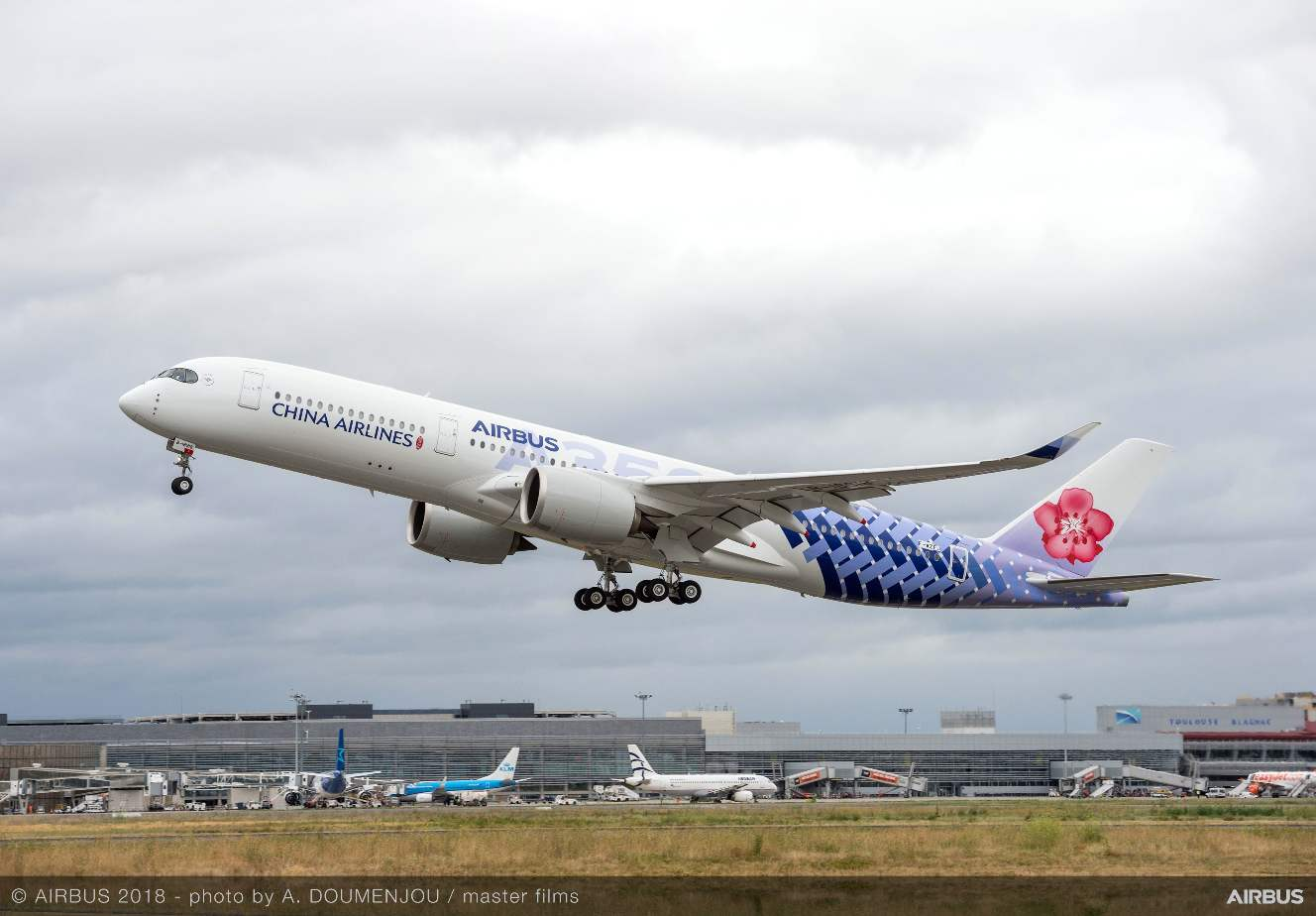 China Airlines gets carbon-themed A350