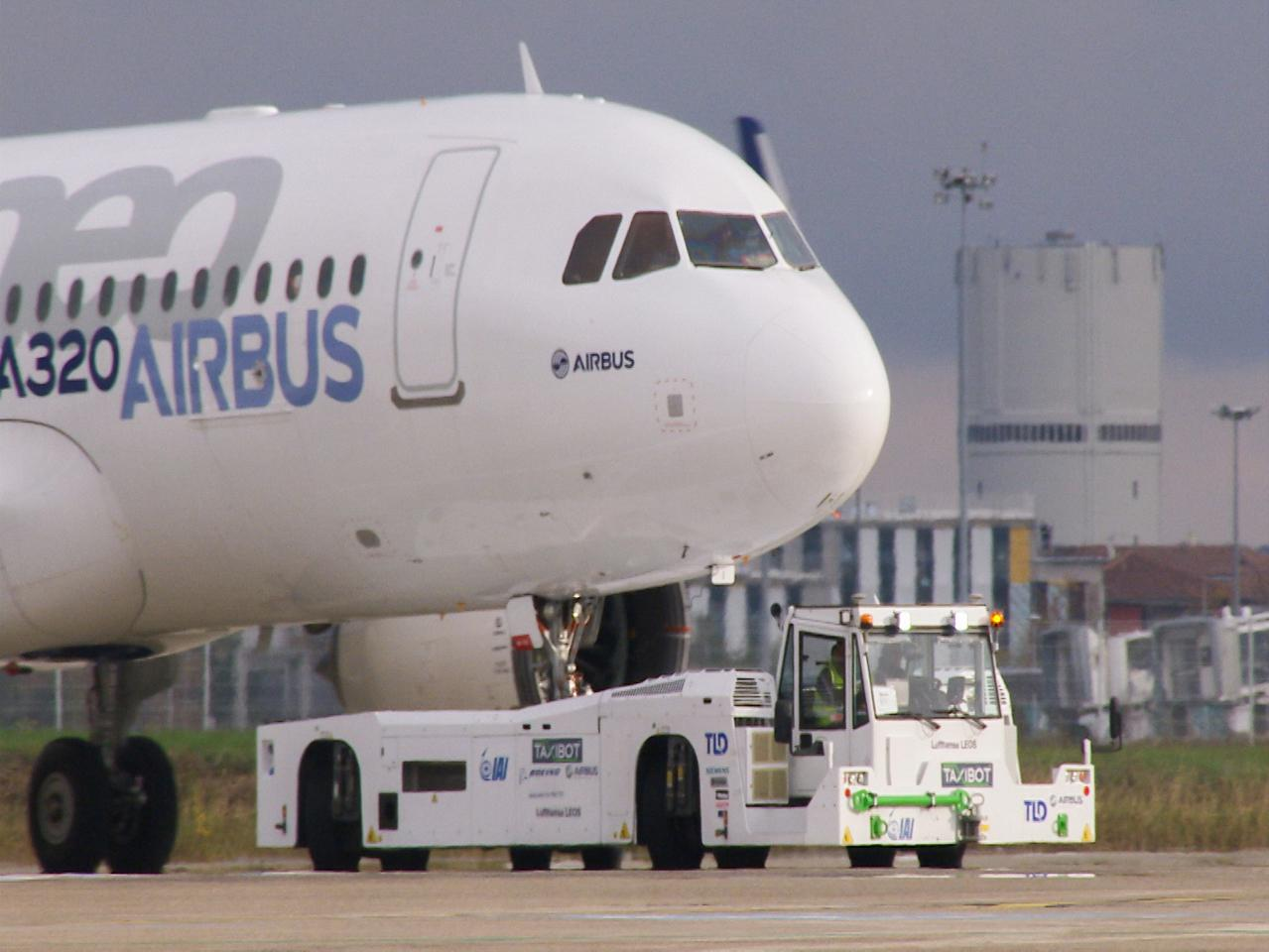 IAI's TaxiBot in final stages of certification for Airbus A320