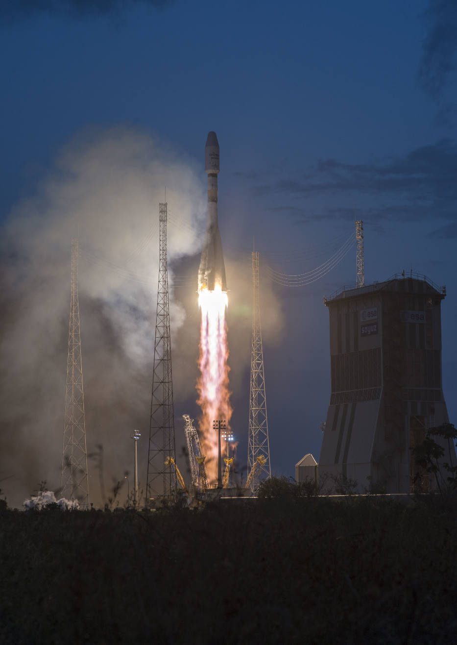 Arianespace launches first batch of OneWeb satellites