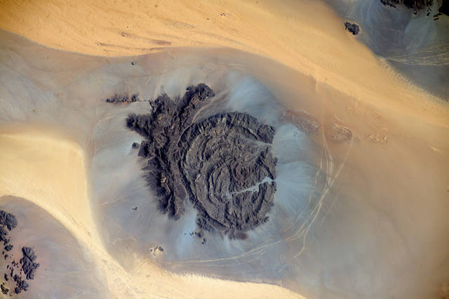Earth seen from space by Thomas Pesquet: 4) Jebel Arkanu