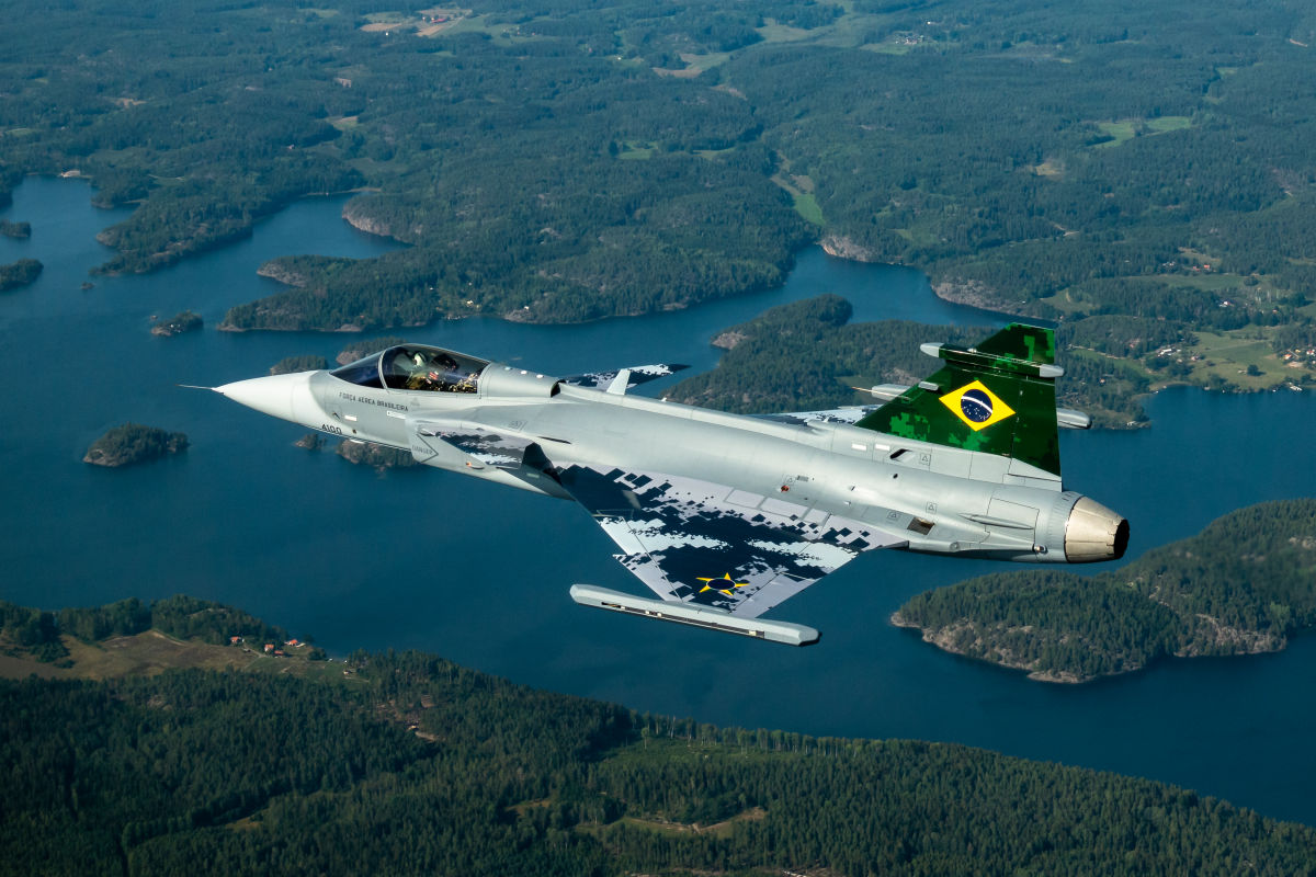 Brazilian Gripen E maiden flight