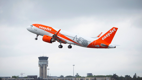 EasyJet gets first A320neo