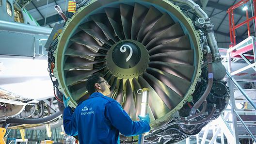 Scandinavian Airlines signs with KLM UK Engineering