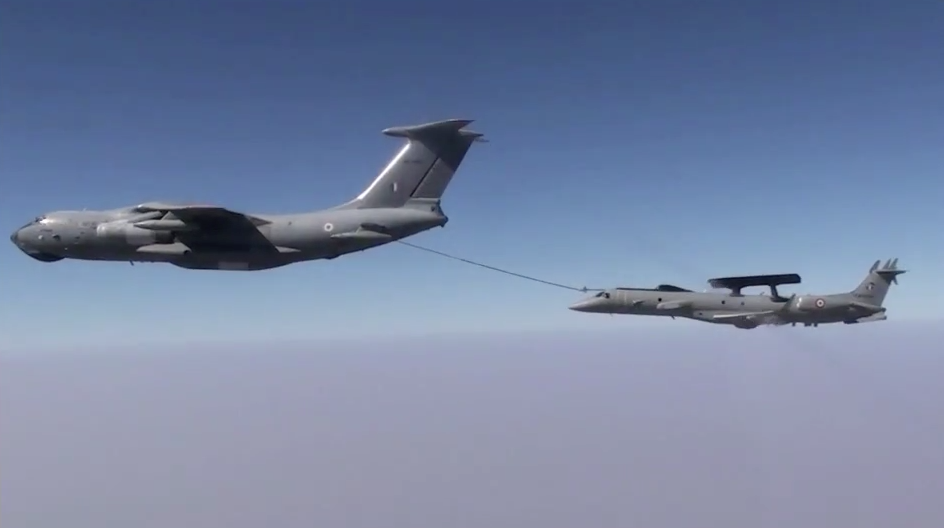 Indian AF reports in-flight refuelling success