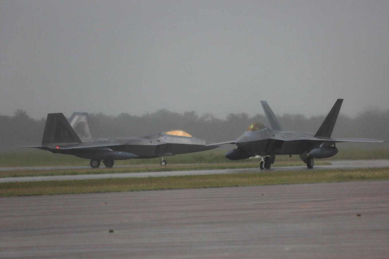 F-22 Raptors deploy to RAAF Base Tindal