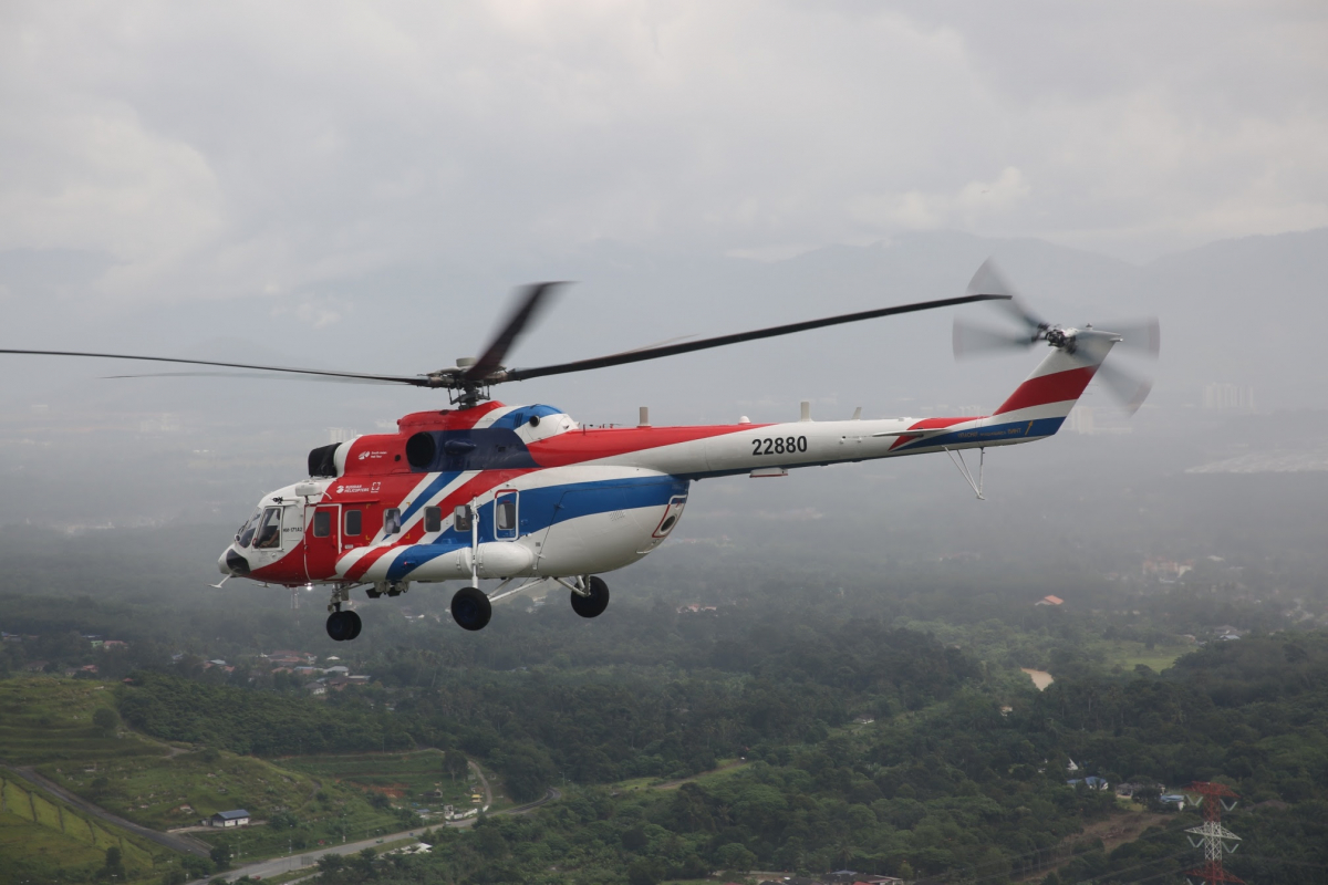 Russian helicopter manufacturers Mil and Kamov form the National Helicopter Center