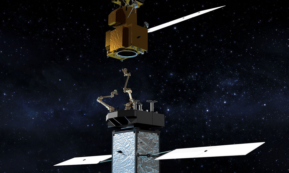 The Shiyan-7 inspection satellite is able to carrying out sabotage operations thanks to its robotic arms..jpg