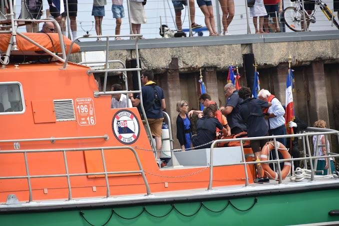 L'embarquement et la mise de gilet de sauvetage