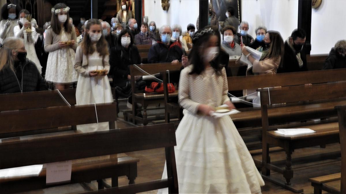 Procession des offrandes.JPG