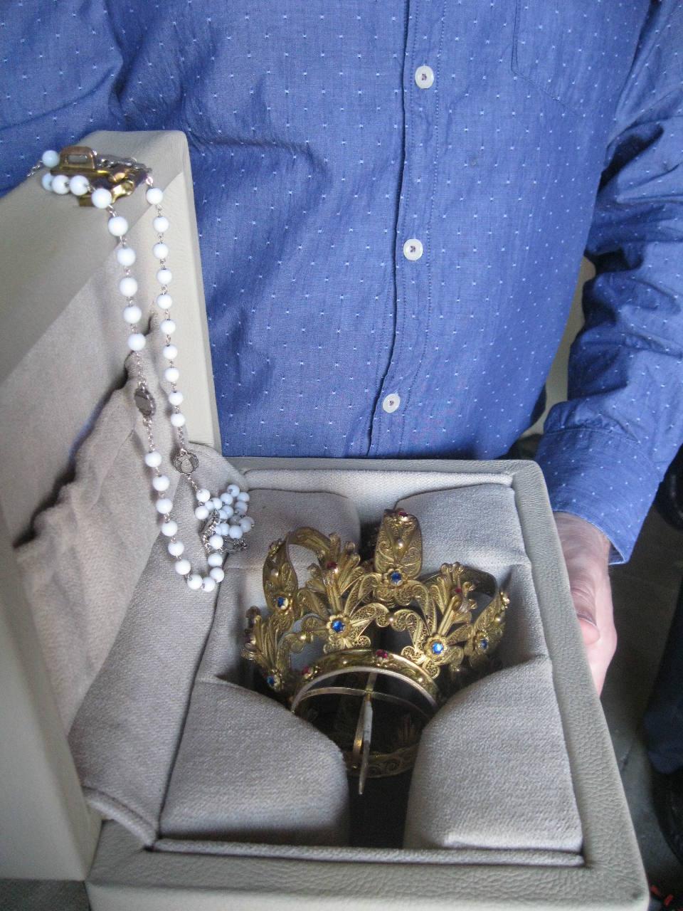 La couronne et le chapelet