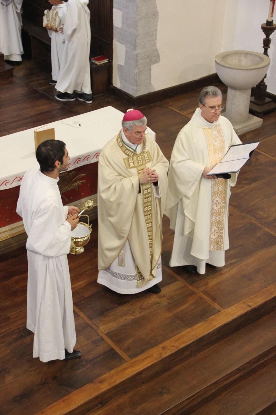Un jeune séminariste accompagnait Monseigneur Aillet