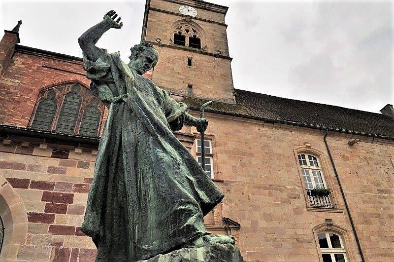 23 novembre: Saint Colomban, issu de l'héroïque lignée des grands saints qui ont contribué à «faire» l'Europe;  fondateur de l'abbaye de Luxeuil