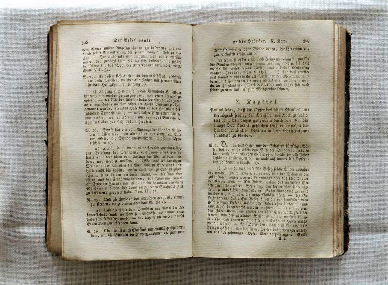 Bible de Maria Bernanrda.jpg