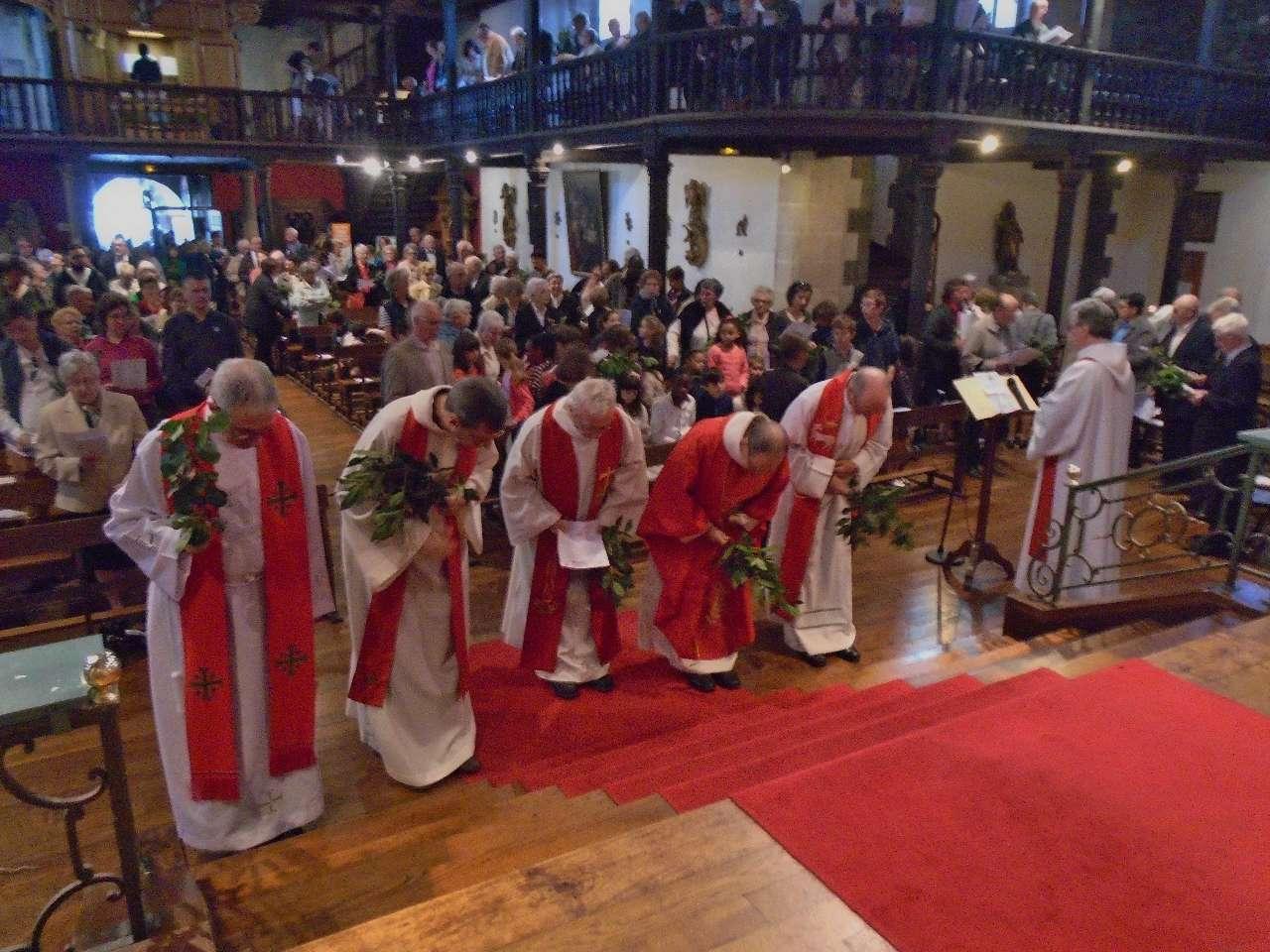 Pour les prêtres, toutes les Eucharisties ont la même puissance, la présence du Seigneur !