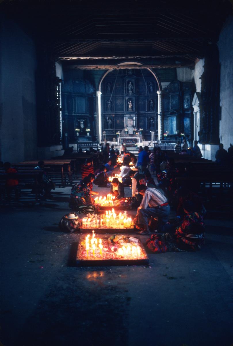 Chichicastenango, à quel dieu sont destinées les offrandes.jpg