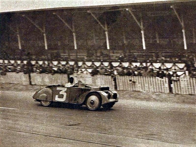 Vainqueurs du Grand Prix Tourisme de Guypuzcoa 1926. René Léonard et Manso de Zúñiga.jpg